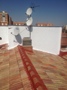 Acabados en el tejado de julio domingo de madrid