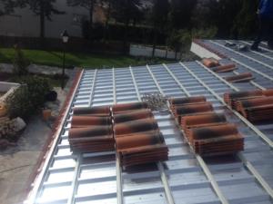 Nuevas tejas para la rehabilitación del tejado en las Rozas